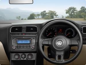 Novo Polo Sedan 2010 Fotos e Lançamento Volkswagen 2011 Novo Sedan 300x225