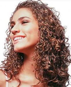 Cabelos Cacheados  Tratamento Caseiro Para Cabelos Cacheados cabelo cacheado 246x300
