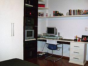 decoração de quarto de solteiro masculino simples