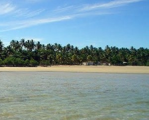 As Maiores Praias De Nudismo Do Brasil   Fotos barra seca4 300x241