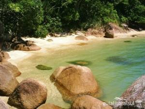 As Maiores Praias De Nudismo Do Brasil   Fotos pedras altas8 300x225
