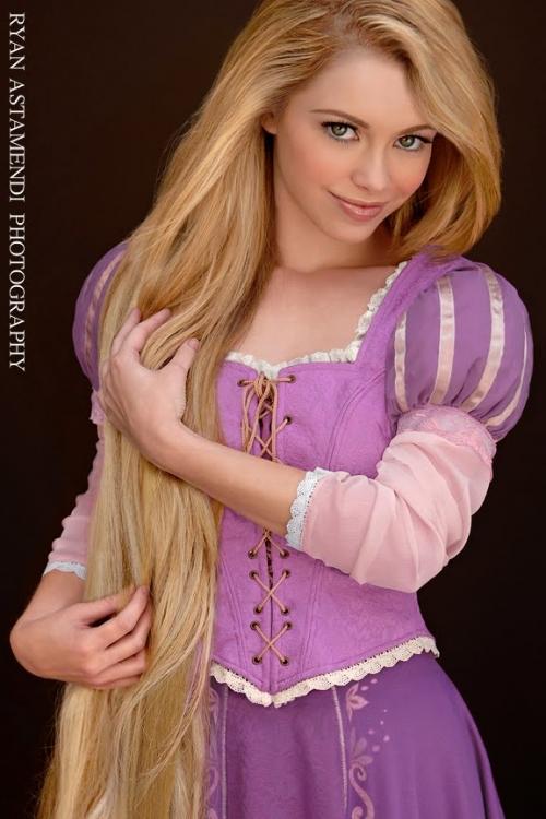 Princesas Disney na Vida Real – Fotos  rapunzel