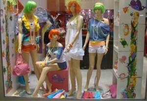 Decoração de Carnaval Para Lojas   Como Decorar e Fotos Vitrines de carnaval