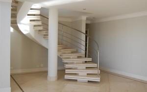 Decoração de Casa Com Escadas   Fotos escada luxuosa 300x188