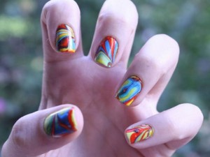 Unhas decoradas com agua 300x225