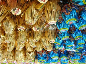 Ovos de Páscoa Infantis 2012  Ovos de Páscoa de Personagens, Brinquedos, Preços e Onde Comprar  Ovos de Pascoa Infantis 2012 300x225