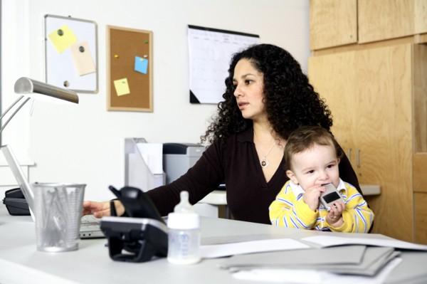 Como Ser uma Boa Mãe Solteira  Dicas, Como Criar os Filhos Sozinha mae solteira1