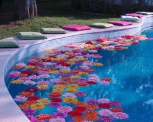 Decoração de Piscina Para Festa  Dicas Como Decorar, Fotos Decoraçao de Piscina Com Flores 300x240