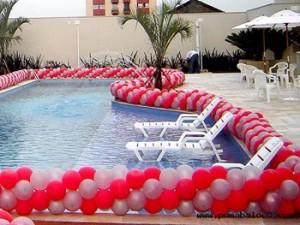 Decoração de Piscina Para Festa  Dicas Como Decorar, Fotos Piscina Decorada Com Baloes 300x225