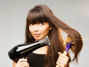 Como Fazer Escova No Cabelo Sozinha   Aprenda Passo a Passo Como Escovar escovar os cabelos sozinha 300x226