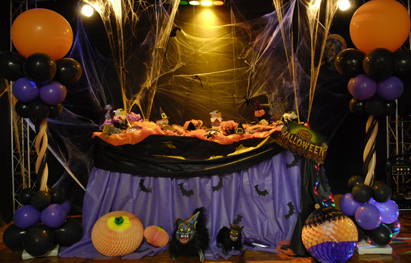 Dicas e id ias de como montar uma festa a fantasia modelos for Decoracion halloween barata