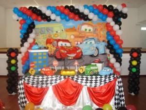 Decoração de Festa Infantil Tema Carros – Fotos, Modelos, Dicas  cars 300x225