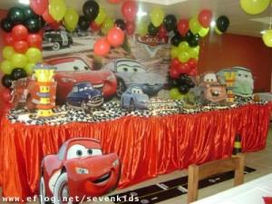 Decoração de Festa Infantil Tema Carros – Fotos, Modelos, Dicas  mcqueen 300x225