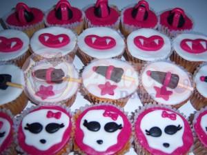 Decoração Festa De Aniversário Infantil Tema Monster High – Fotos 100 2601 300x225