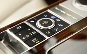 Land-Rover-Range-Rover-2013-widescreen-9
