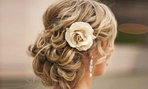 coque-cheio-flor-penteado-noiva