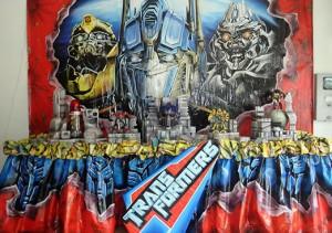 Decoração de Aniversário Tema Transformers – Fotos Modelos e Tendências  festa infantil tema transformers 4 300x211