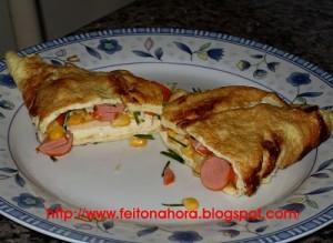 04. Omelete de Salsicha com Queijo e Salsa