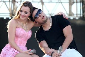 1dez2012-a-dupla-thaeme-e-thiago-se-apresenta-no-festival-de-musica-sertaneja-universo-alegria-