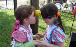 brincadeiras-para-festa-junina-brincadeira-comida4