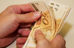 governo-propoe-salario-minimo-
