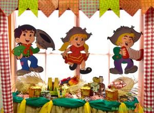 Decoração Festa de Aniversário Tema Festa Junina 2013 – Fotos e Dicas  mesa festa junina 300x221