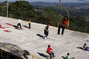esquiando no Ski Mountain Park