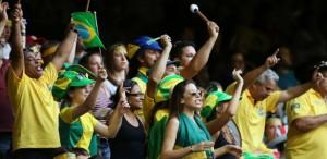 Promoção Coca-Cola Cante e Leve Todo Mundo Para a Copa do Mundo2014