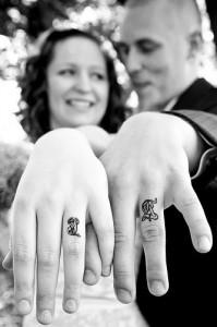 Tendências de Tatuagens Para Casais – Ver Modelos e Dicas  Tatuagem de Casal Red Hair Tattoo 5 199x300