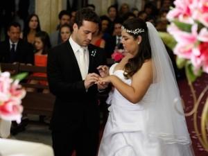 em-amor-a-vida-persefone-e-daniel-se-casam-1381141607875_620x465