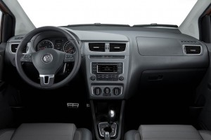 vw-crossfox-2014-interior